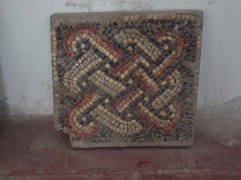 Byzantine Weave Pattern in Mozaic
