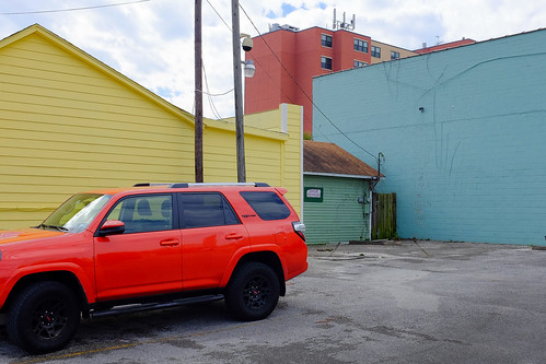 blue cars houston houstonheights landscapeurban red texas wall x100 yellow