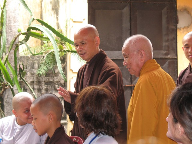 Thay introduces abbot