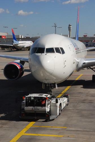 Delta - Boeing 767-400ER | by hyku