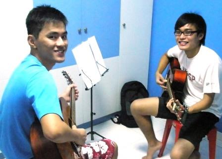 Guitar lessons Singapore Yihao