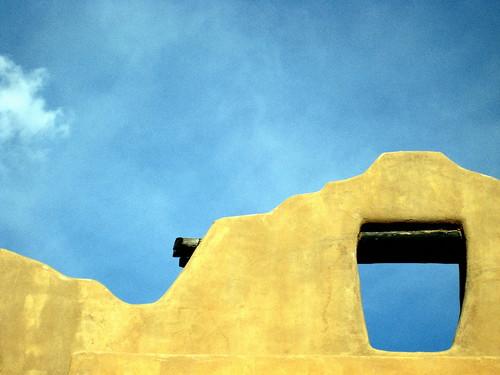 blue sky brown newmexico santafe wall clouds canon hole goldenglobe mudwall diamondclassphotographer flickrdiamond sd1000 colourartaward yourphototipscom