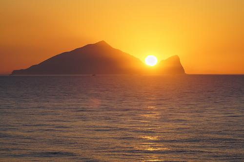 台灣 台灣之美 宜蘭 龜山島 龜山朝日 taiwan thebeautyoftaiwan formosa akaformosa yilan turtleisland sunrise light landscape sony a7r2 a7rii 70200mm f4