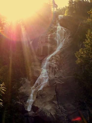 sun canada sunshine sunrise landscape waterfall glare bc britishcolumbia roadtrip shannonfalls shannonfallsbc