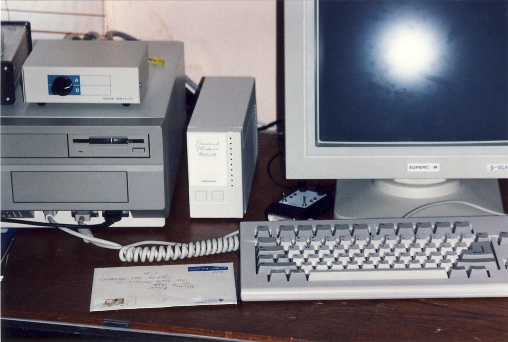 Amiga 2000 and 9600 baud modem | Check out my Amiga 2000 set
