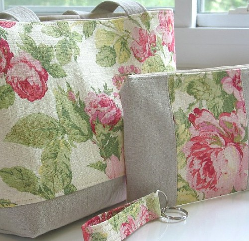 Pink Roses and Linen Tote/Wristlet Set | by Niesz Vintage Fabric