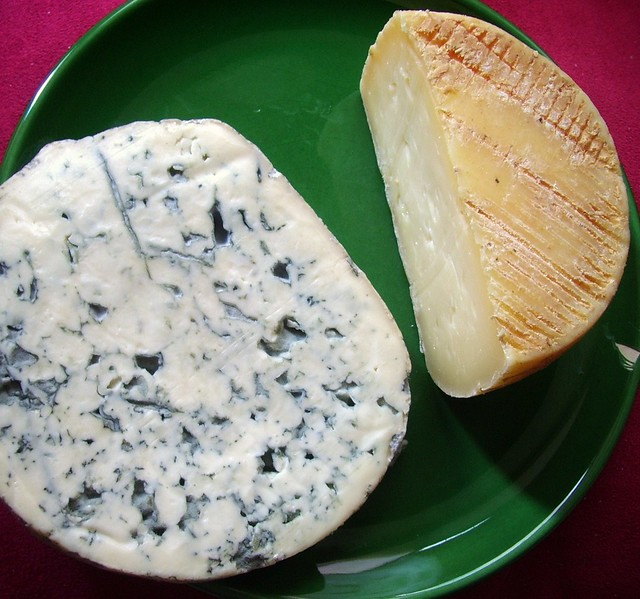 Tommette de Vache and Fourme d'Ambert