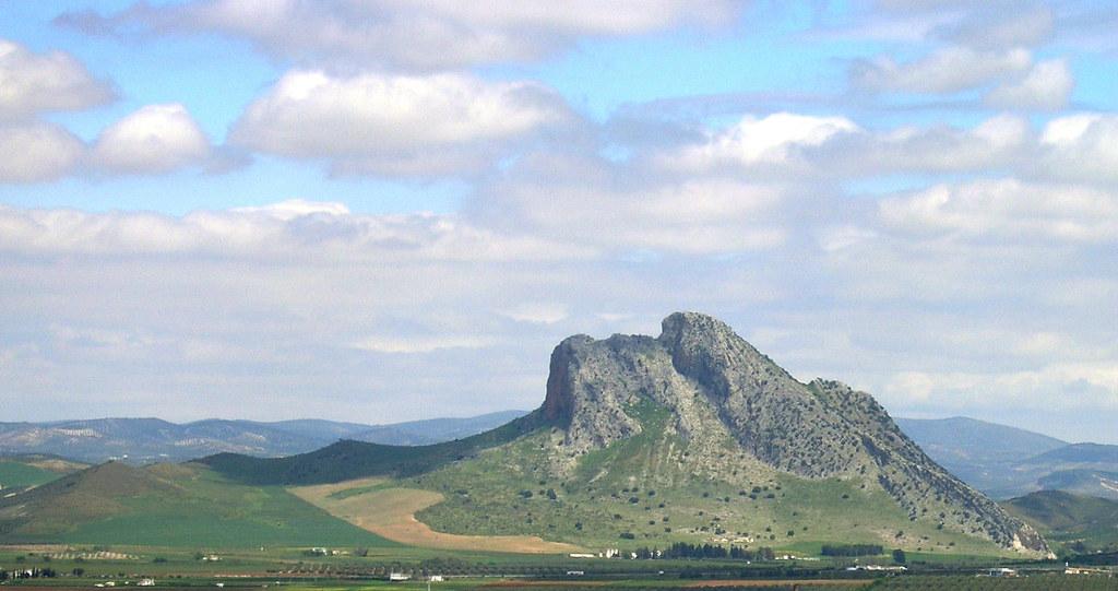 Peña de los enamorados o montaña del Indio en Antequera, España.