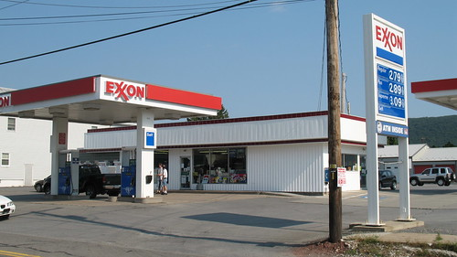 gasstation conveniencestore exxon teazzers towersalesminimarket
