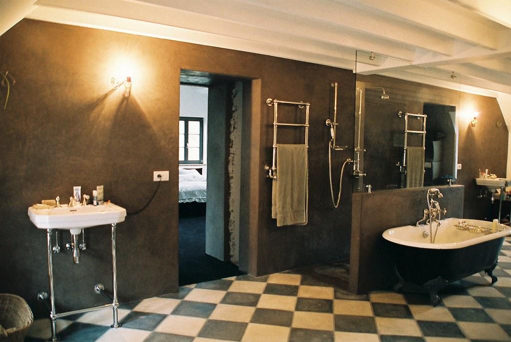 Salle de bain en tadelakt | mur, paroi et sol de douche en t… | Flickr
