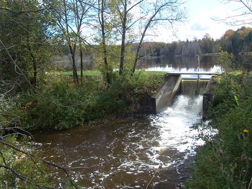 autumn ontario canada water stream durham spillway