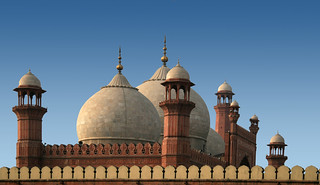Badshahi mosque (Explored, 5 Mar 08 # 171) | by I M R A N ~ light and Shades ~