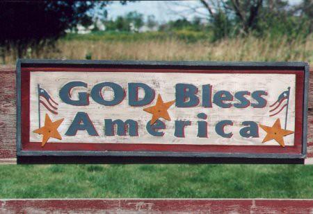 Dios nos bendiga, a nosotros y a nuestro salvaje intervencionismo, al ketchup y a Chuck Norris