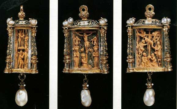 Boxwood pendant
