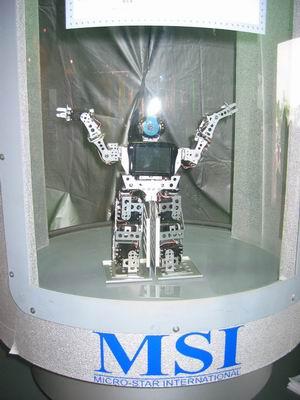 021-微星Robot-01