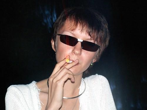 МаМа курит Кент