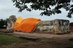 Large_reclining_Buddha_2_@_Wat_Yai_Chai_Mongkhon,_Ayutthaya