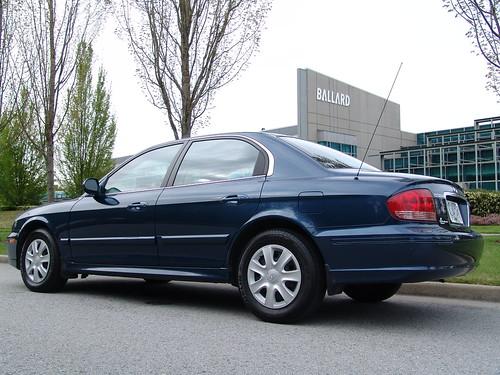 Hyundai Sonata   by (klaus)