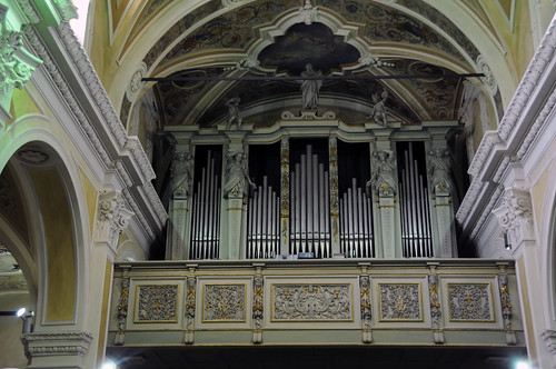 Organ in St. Giovanni Battista in Gavirate, Varese, Italy | by renzodionigi