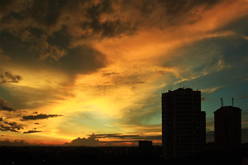city sunset sky urban cloud building silhouette landscape gold jakarta polarizer canonef1740mmf4lusm circularpolarizer hoya