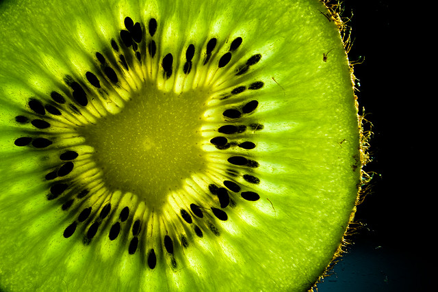 Transparent Fruit [kiwi]