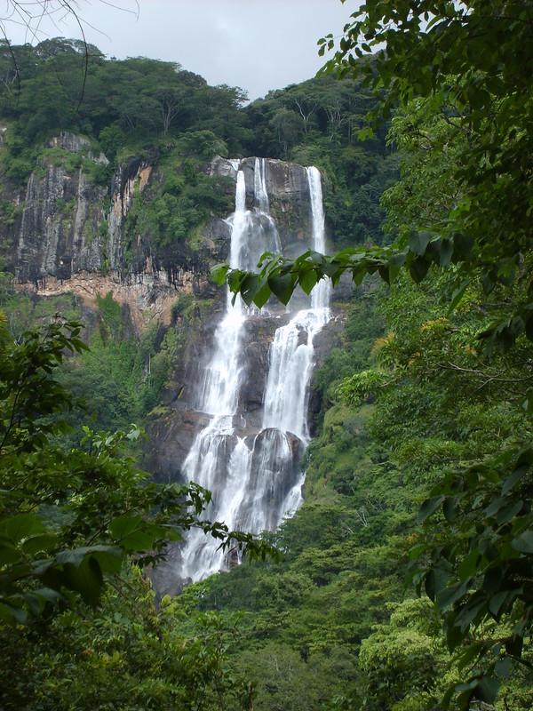 S5003233  Udzungwa Mountains N.P.: Sanje Falls