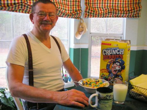 DILO~Dec. 22, 2007: Jim Eats Captain Crunch Berries for Br ...