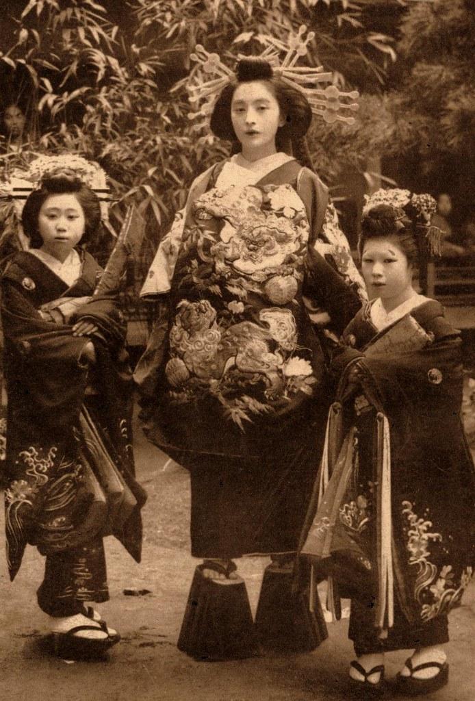 Asian femdom video gallery