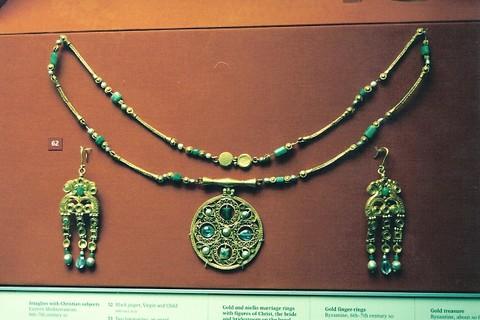 London - British Museum - Byzantine Jewelry | Jeff Rozwadowski | Flickr