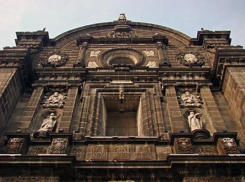 Fachada lateral de la Cátedral de Puebla...