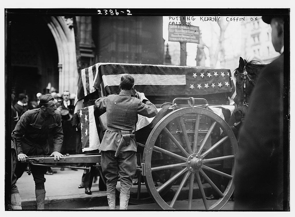 Putting Kearny coffin on caisson  (LOC)