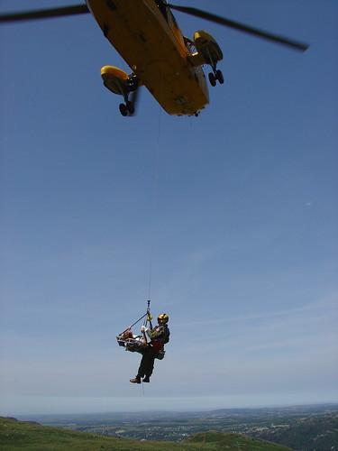 Tue, 12/07/2005 - 14:26 - One way to fly, Gehart on his way to hospital, Pic - Pete Bursnall