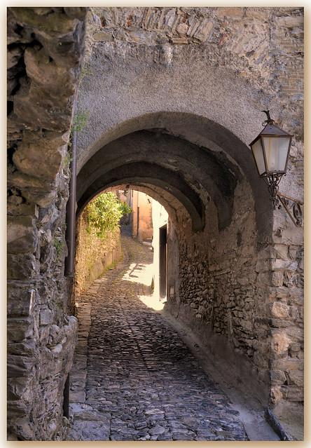 Rue pavée - Triora - Ligurie (Italie)