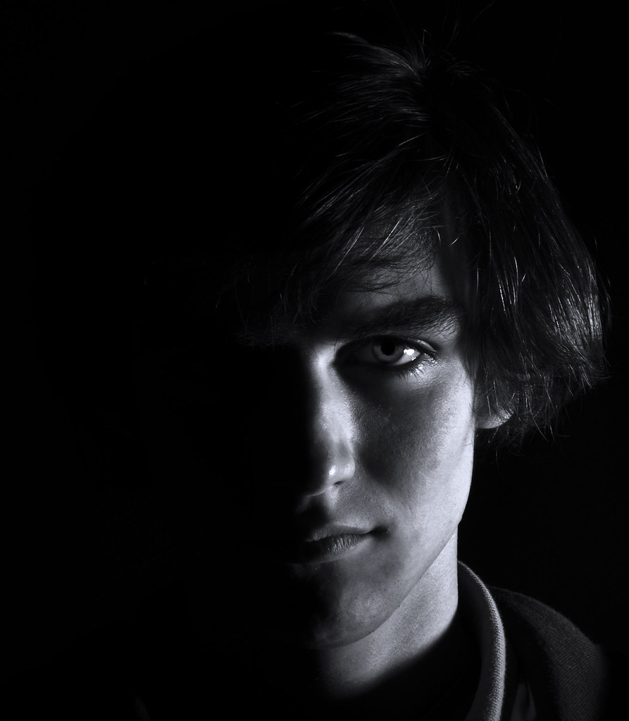 High contrast portrait by ledor photo