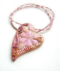The pink heart in bloom necklace | by zsbekefi