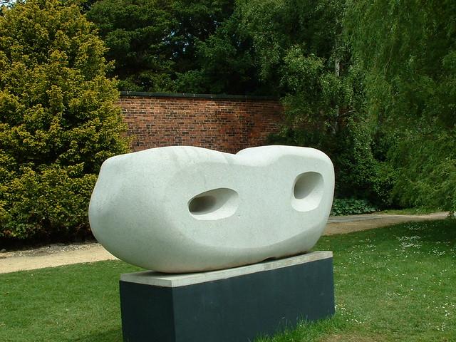 Barbara Hepworth, Curved Reclining Form (Rosewall)