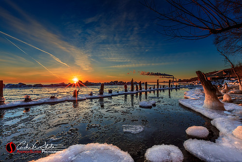 cold freeze frozen greatlakes ice lakemichigan lakefront landscape oakcreek sunrise wi winter canon 5dmarkiii andrewslaterphotography landscapephotography snow travelwisconsin discoverwisconsin wicounties landscapes