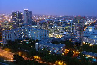 Crown Center @ night, Aug 2007 | by photography.by.ROEVER