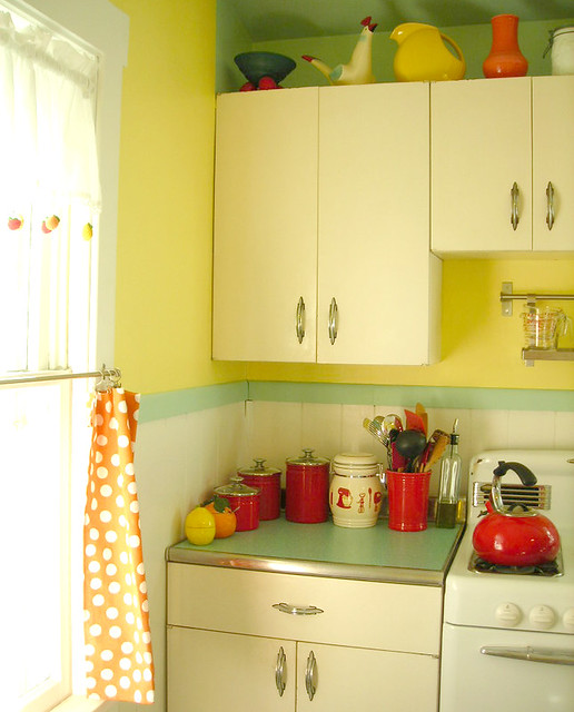 Kitchy Kitchen Decor: Teardrop 50's Kitchen