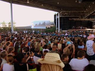 Crowd @ Jonas Brothers. | by vmarinelli