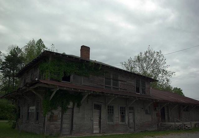Abandoned Building, Jamestown, TN