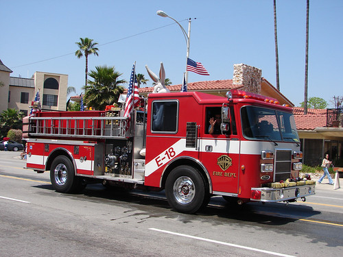 Warner Fire Engine   by Xurble
