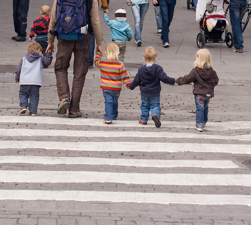 Kids at zebra crossing | by fiskfisk