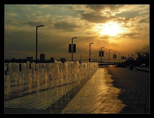 michigan detroit sunsets pathways renaissancecenter downtowndetroit detroitriverwalk utatafeature epicimages epicimagesllc