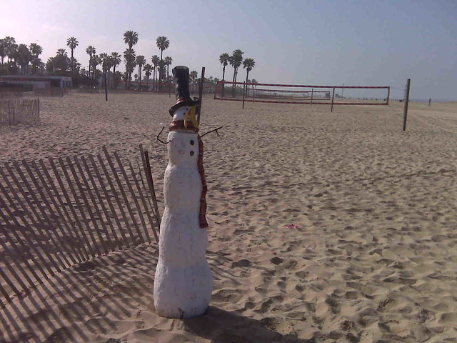 Snowman on the beach in Santa Monica (2/2)