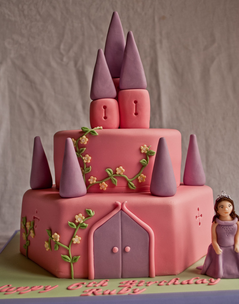 Fantastic Princess Castle Birthday Cake Thecustomcakeshop Co Uk Flickr Funny Birthday Cards Online Elaedamsfinfo