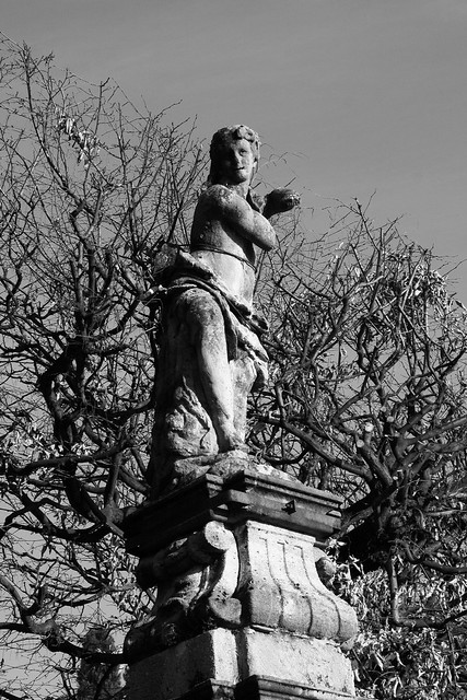 Statue in Montevecchia