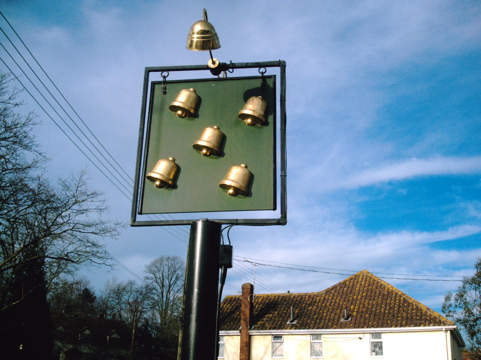 Book 1, Walk 46, Wakes Colne to Bures Colne Engaine village pub sign: anyone know the name of the pub? (D.Allen; Vivitar 5199mp)