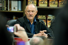 Gene Hackman at Book Signing, Borders by nyer82