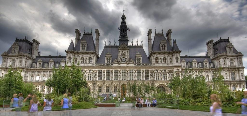Paris - Hôtel de ville II by Jean Lemoine
